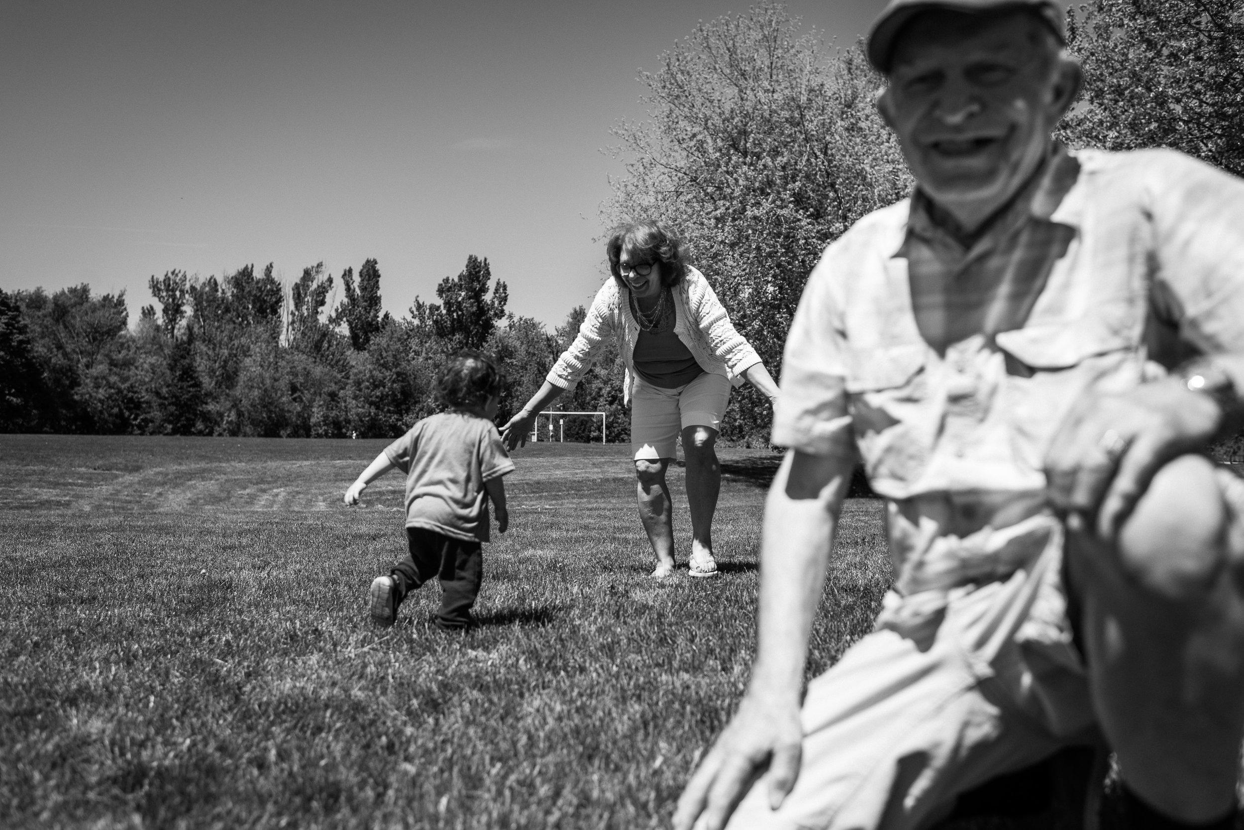 family documentary photography brampton -141716vm.jpg
