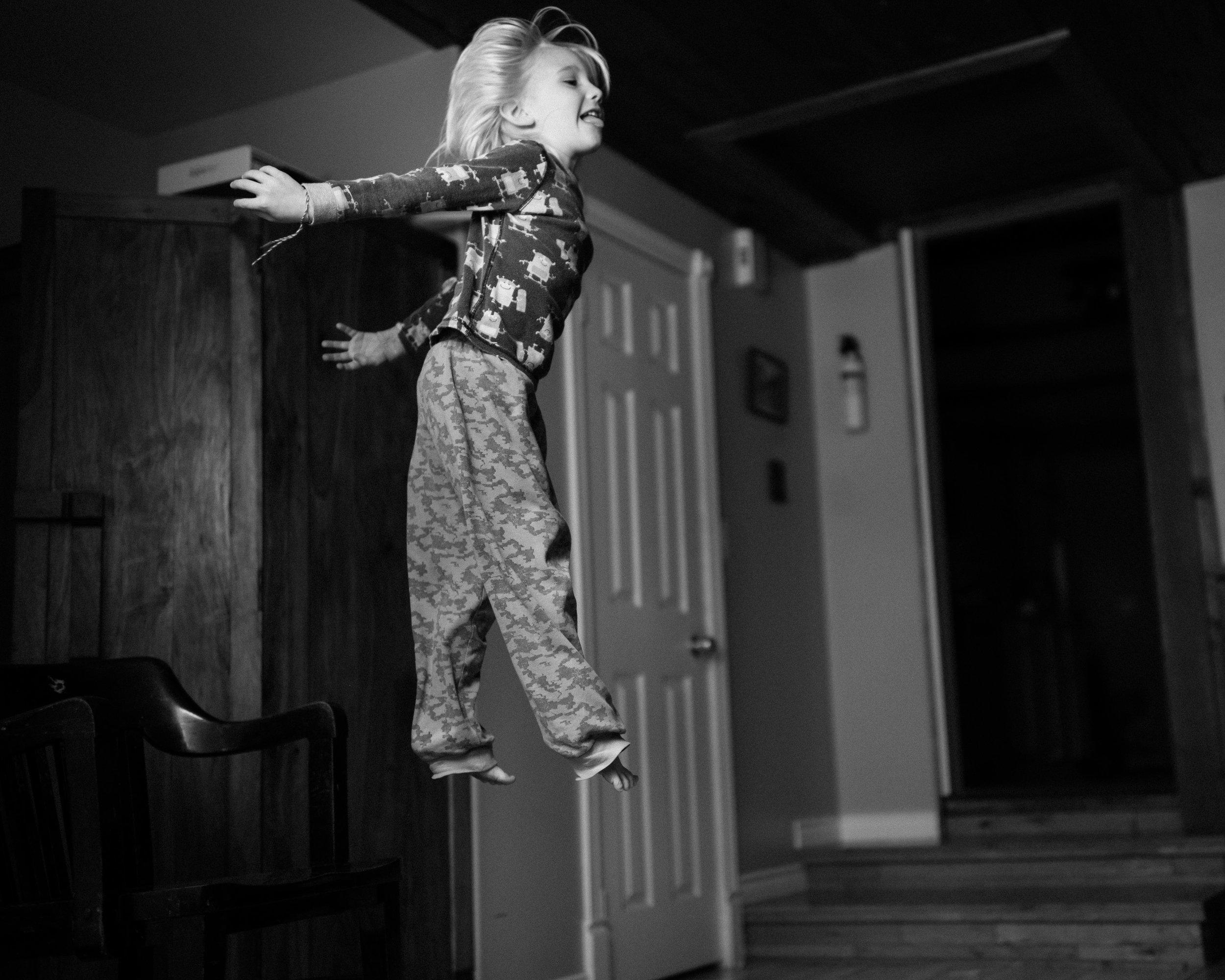 family documentary photography in kingston by viara mileva-145610vm.jpg