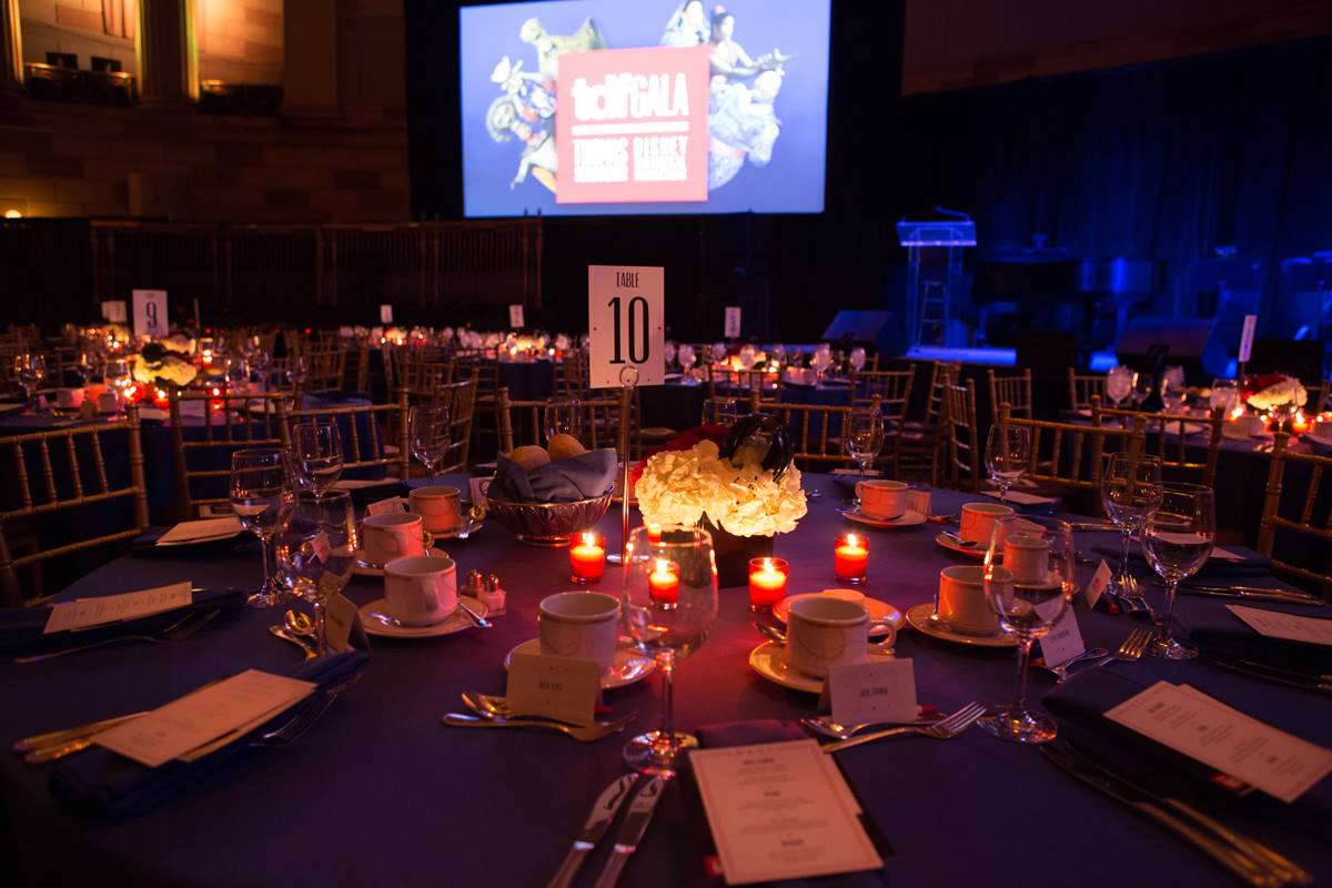 Gala Table Setting & Projection