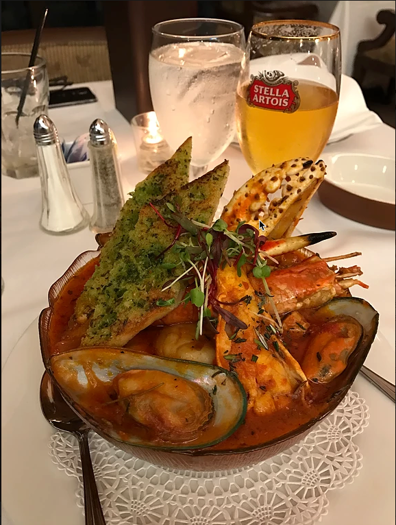 Vista Lounge Cioppino.png