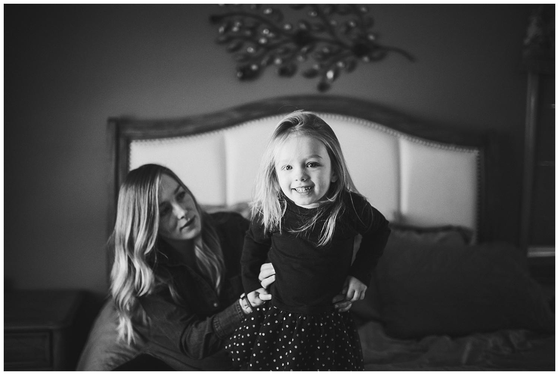Wisconsin-newborn-lifestyle-photographer (7).jpg