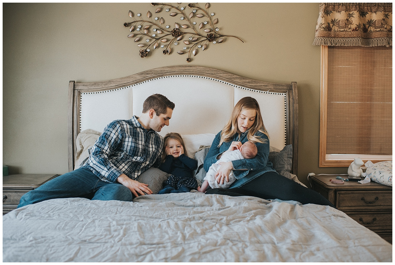 Wisconsin-newborn-lifestyle-photographer (12).jpg