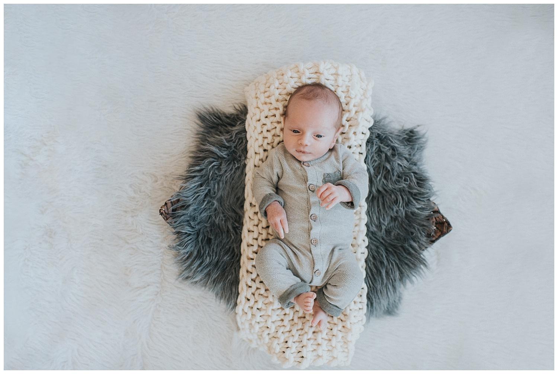Wisconsin-newborn-lifestyle-photographer (27).jpg