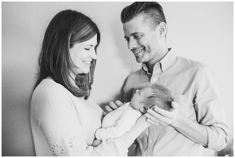 Milwaukee-newborn-lifestyle-photographer-2018 (45).jpg