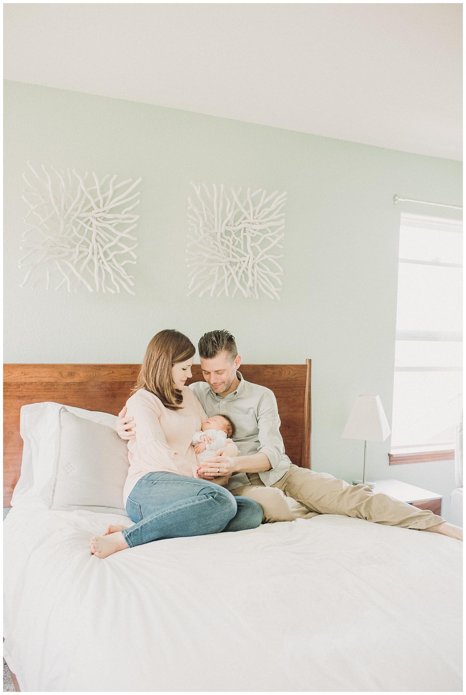 Milwaukee-newborn-lifestyle-photographer-2018 (49).jpg