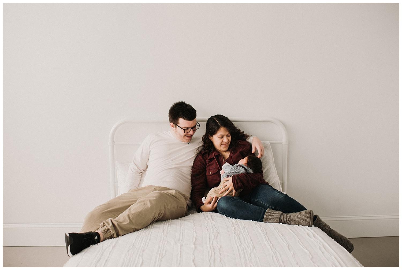 Milwaukee-newborn-photographer-2019 (5).jpg