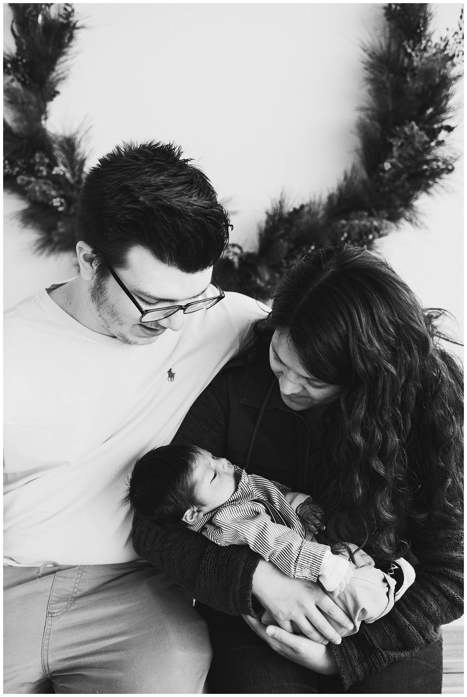 Milwaukee-newborn-photographer-2019 (16).jpg