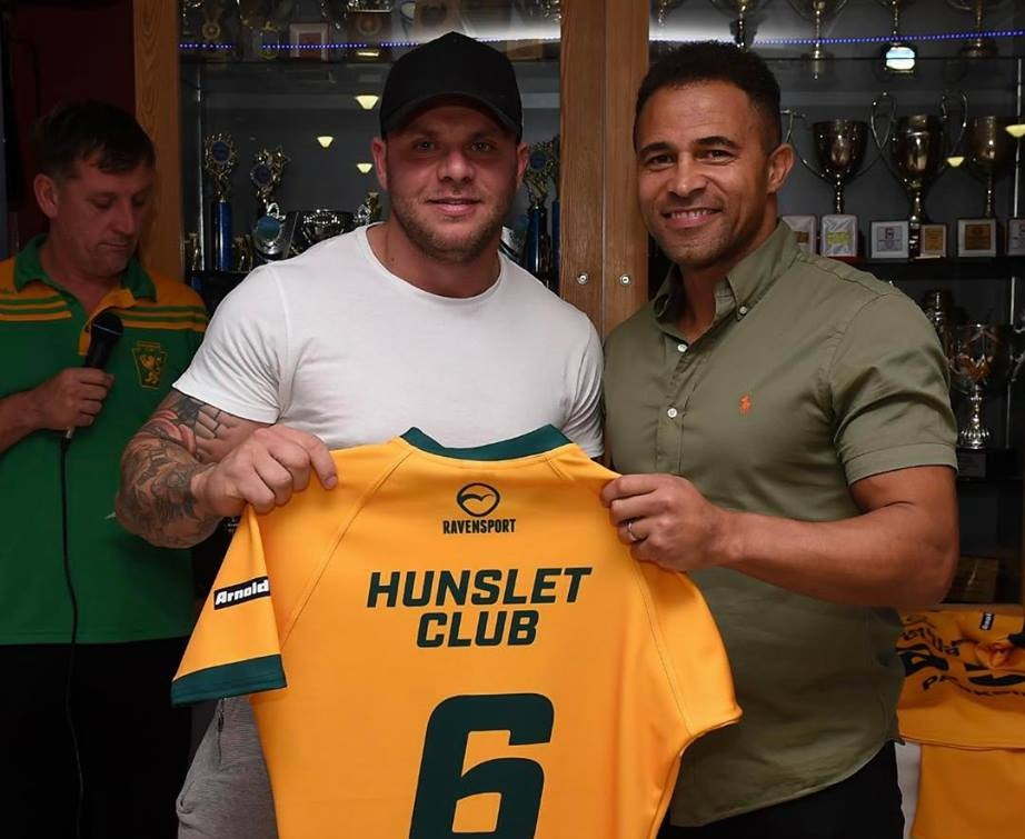 The newly crowned kings of amateur rugby attracted the attention of big names throughout the year. Ex-Parksider and England international Jason Robinson was seen back at the club at a shirt presentation.