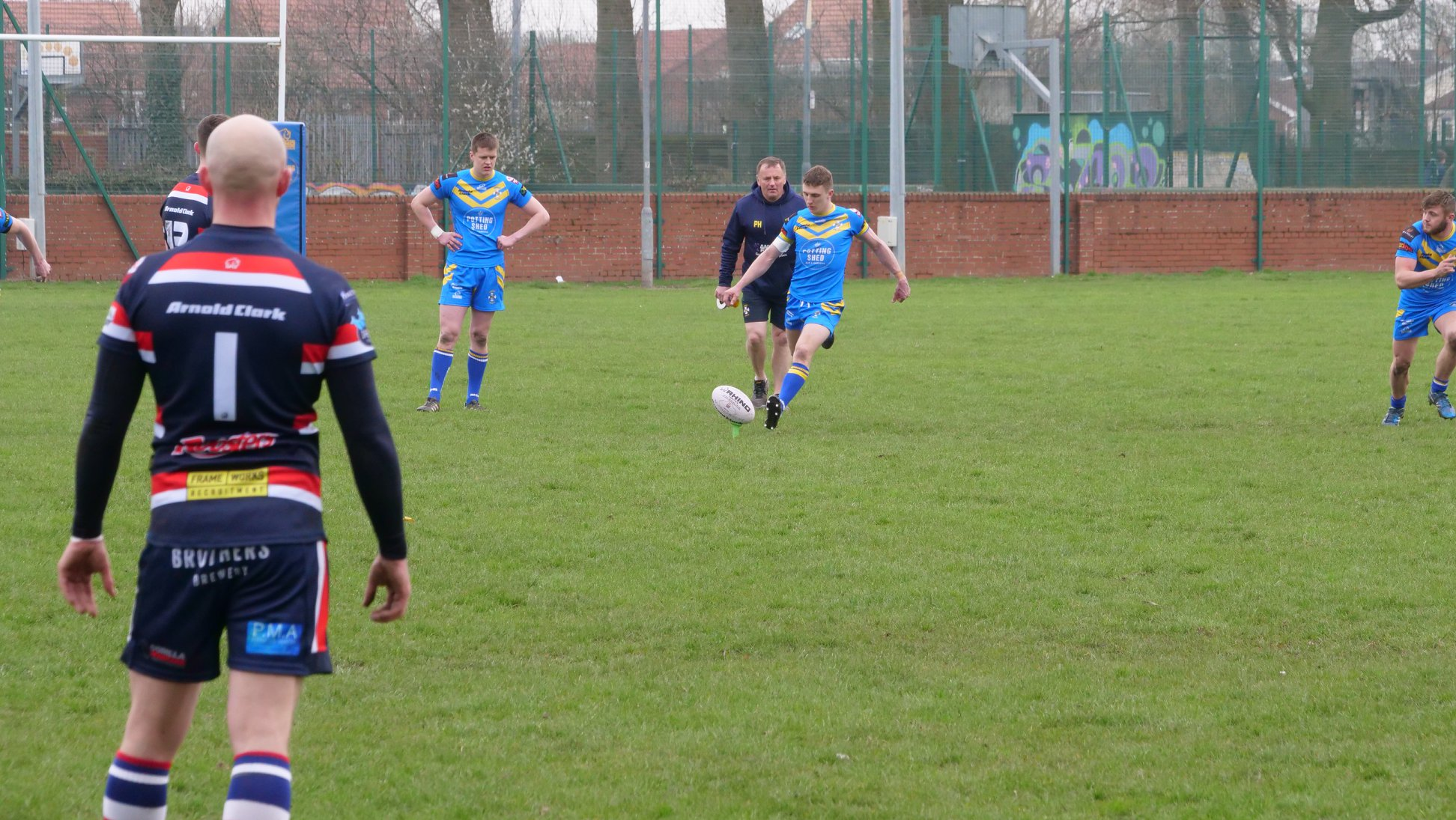 Lewis Poskitt kicking for Beverley ARLFC