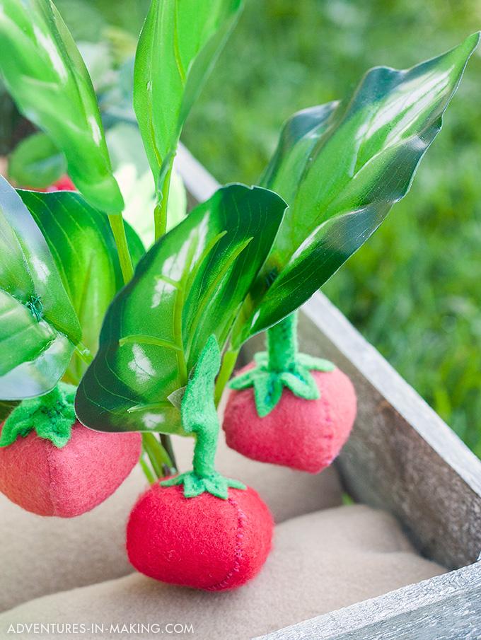 Plantable Felt Tomatoes