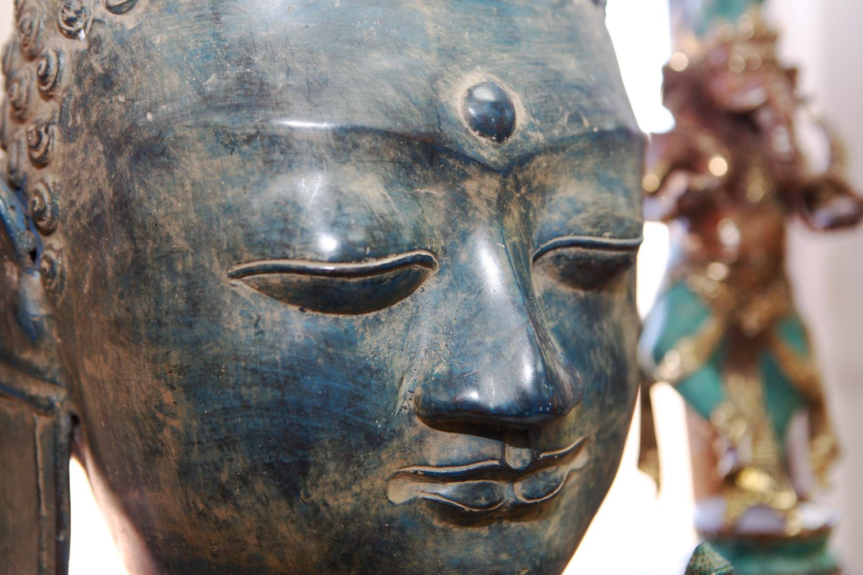 buddhabronzelarge.jpg
