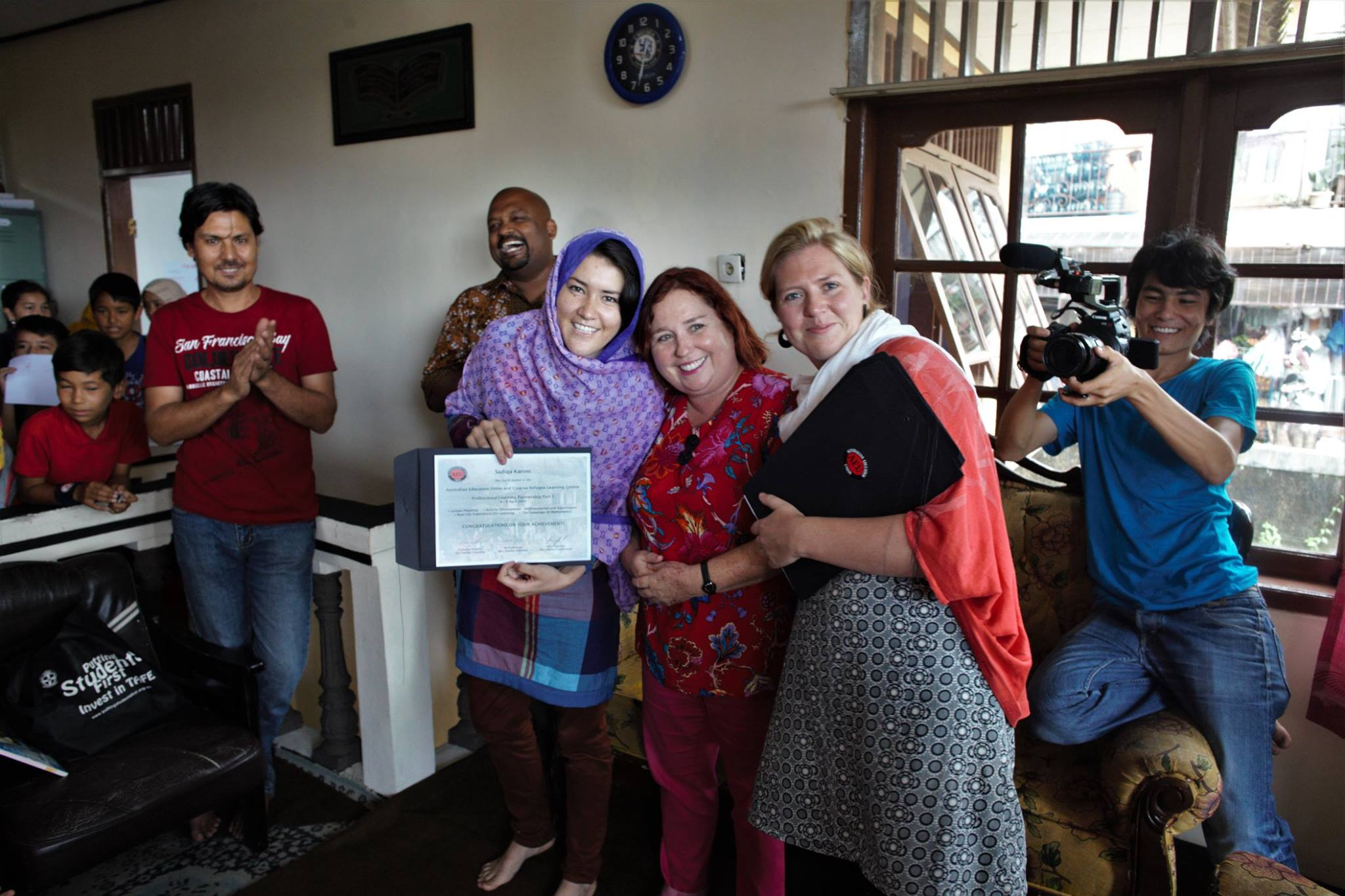 End of training for teachers and receiving certificates.