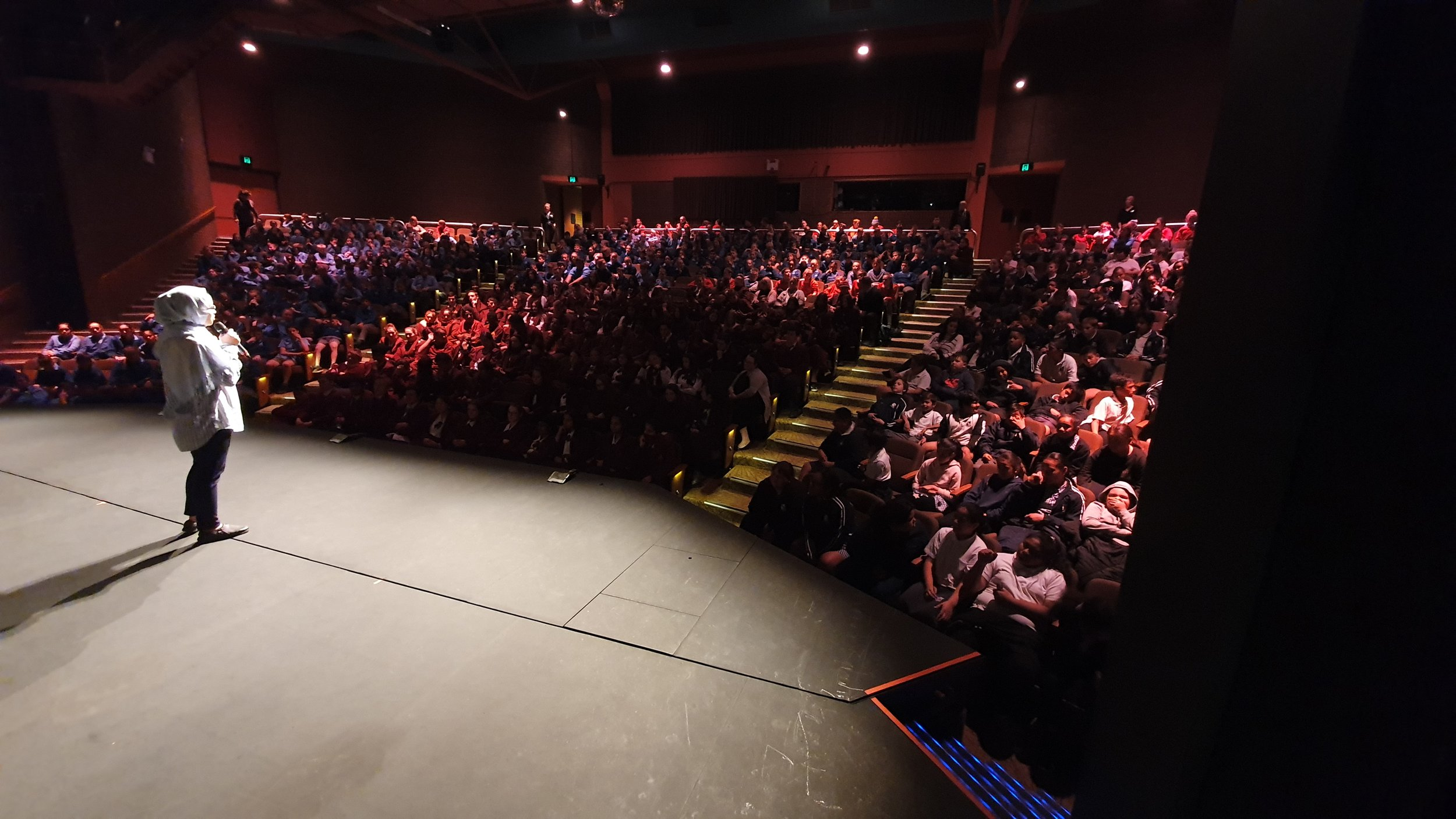 Nagina speaks to 523 school students at the Griffith Regional Theatre.jpg