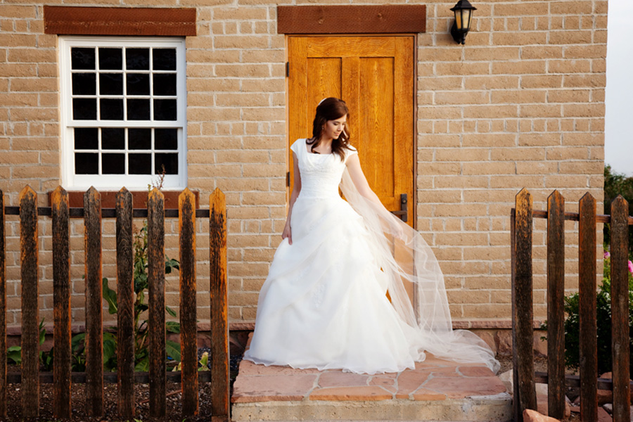 pack-home-exterior-with-bride.jpg