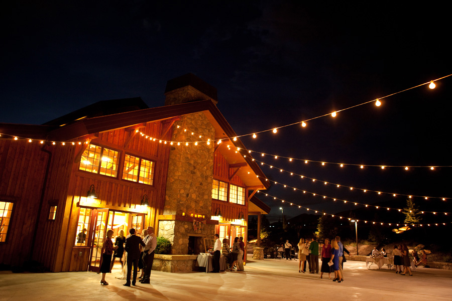 the-garden-place-patio-at-night-during-wedding-reception-02.jpg