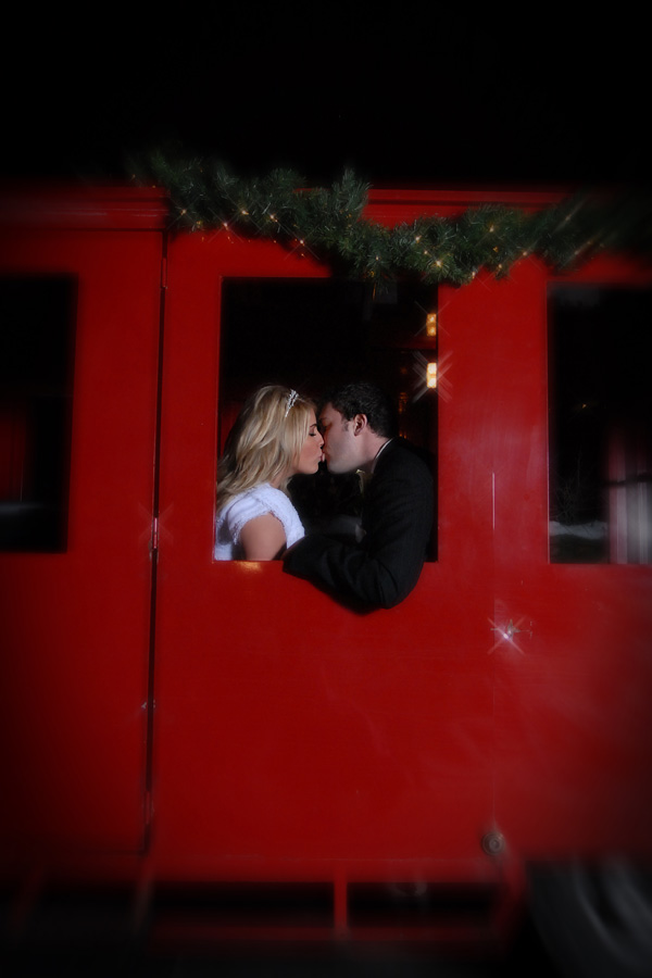 bride-and-groom-kissing-in-the-train.jpg