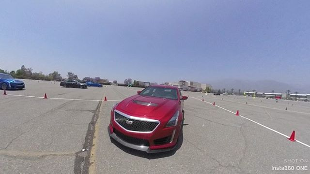 we got to see what @cadillac has been up to at their #truthanddare event - took some SUVs off-road, slid around on a cone course, and tested their hands-free Super Cruise and some safety features!  Super Cruise integrates fairly seamlessly with the driving experience but only reaches SAE levels 1-2. The suite of driver monitoring features are pretty impressive though, and include haptic feedback that vibrate the seat 😮