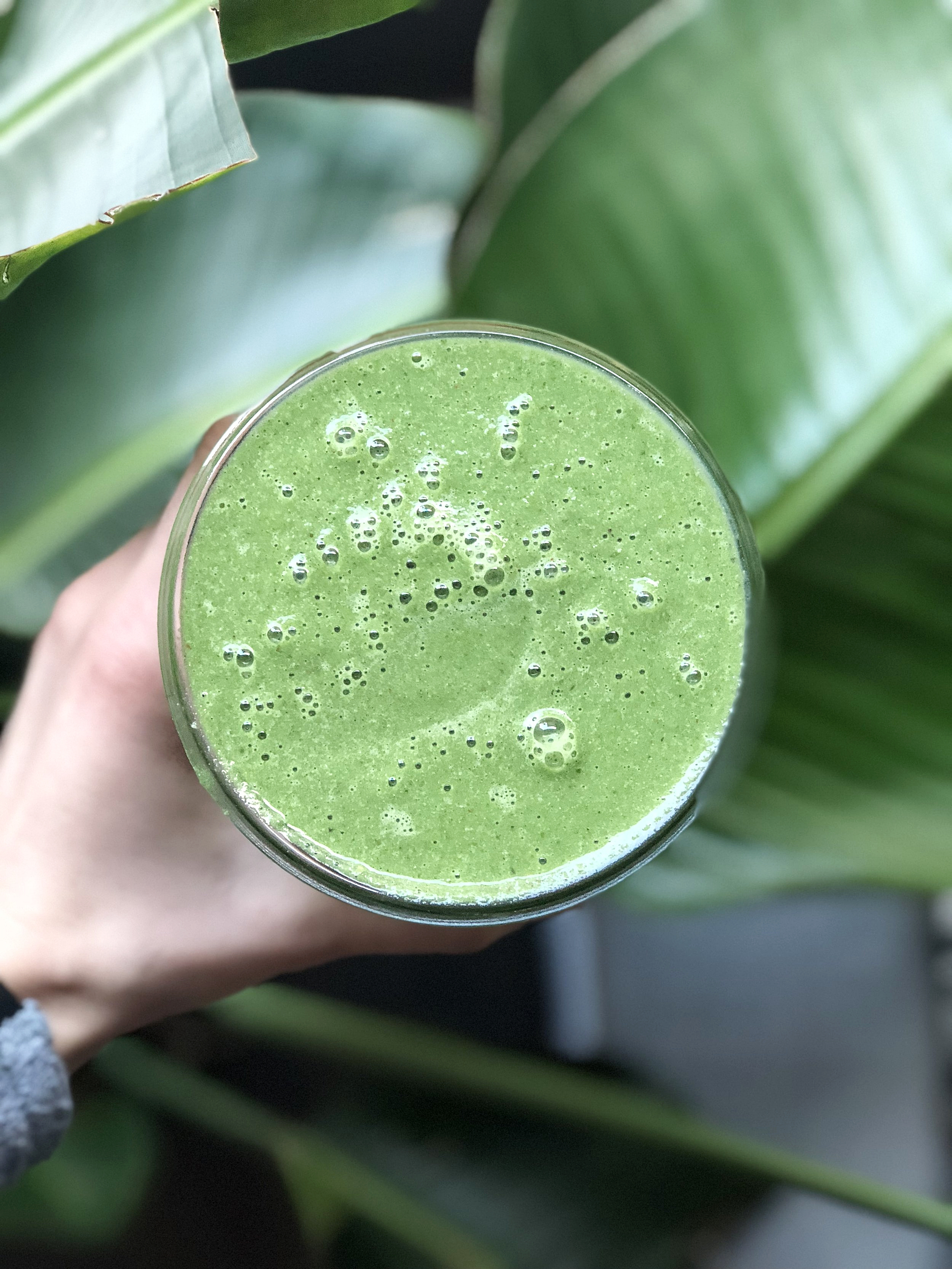my new go to green smoothie. i say queen because in my world it's equal to king.