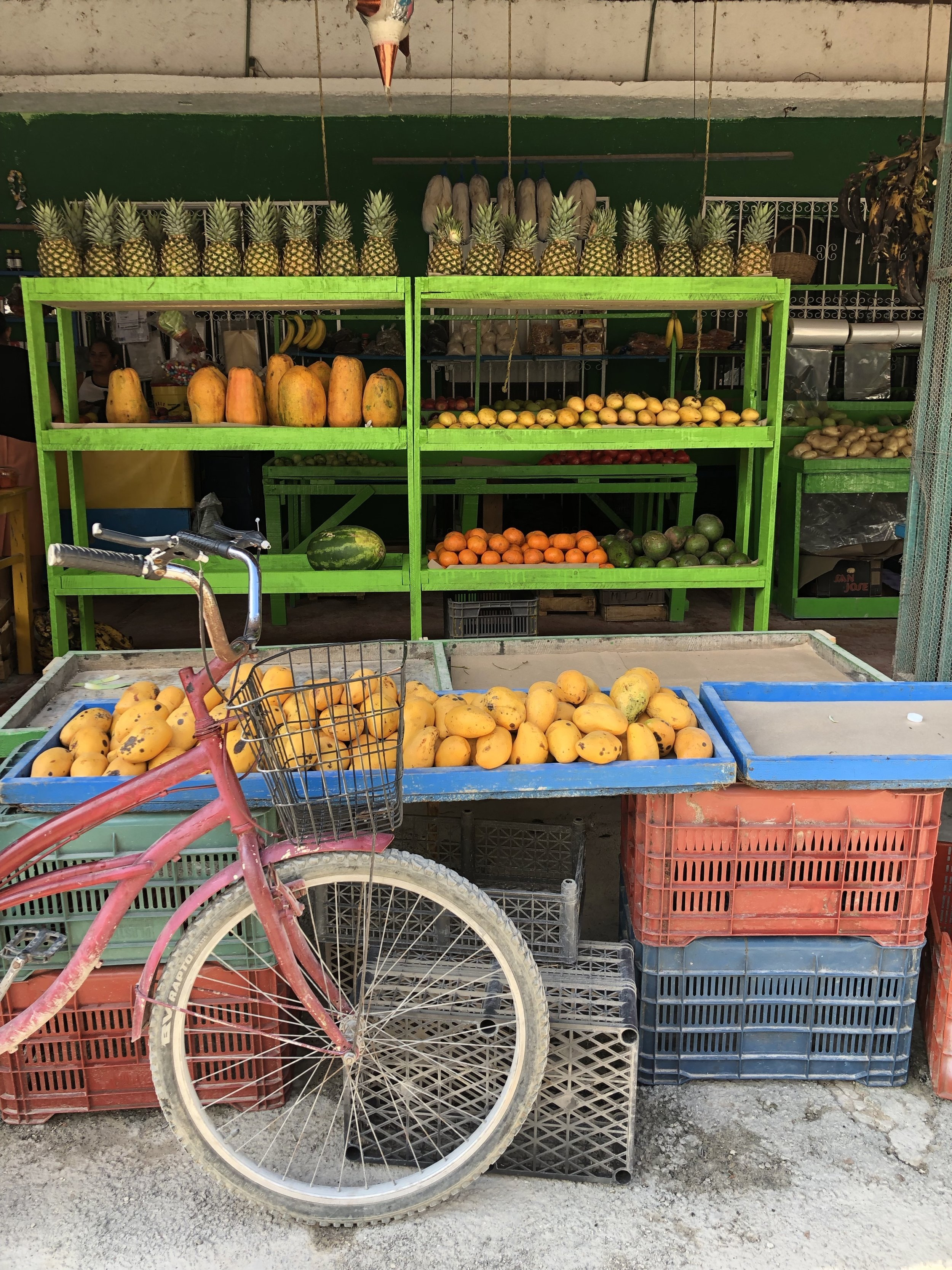 Produce store across from Burito Amor