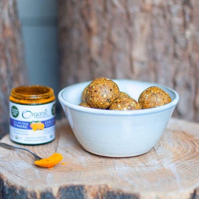 🥳 GIVEAWAY 🥳 ⠀⠀⠀⠀⠀⠀⠀⠀⠀ I love being able to partner with Canadian organic brands, love ya @organictraditions. Ad* I made delicious TURMERIC BARU SEED ENERGY BALLS and they are so tasty. The full recipe and my thoughts on animal feed impacting biodiversity and climate change are on my blog. Head to 👉🏼👉🏼👉🏼 Bruce's Roots.com and search Baru seed to whip this up. Link also in my bio. ⠀⠀⠀⠀⠀⠀⠀⠀⠀ THE GIVEAWAY ⭐️ - bag of shatavari, adaptogen for women - jar of full spectrum turmeric - bag of Baru seeds (ok for school lunches!) ⠀⠀⠀⠀⠀⠀⠀⠀⠀ 1- follow @brucesroots and @organictraditions 2- like this post and tag minimum two friends. Endless entries! 3- bonus: add to stories & tag us so we see it. Random draw on October 15th 2100 hours PST. Good luck friends and tag me if you make this yummy snack. 🤤👅 ⠀⠀⠀⠀⠀⠀⠀⠀⠀ Jordan, RHN plant-based & vegan nutritionist