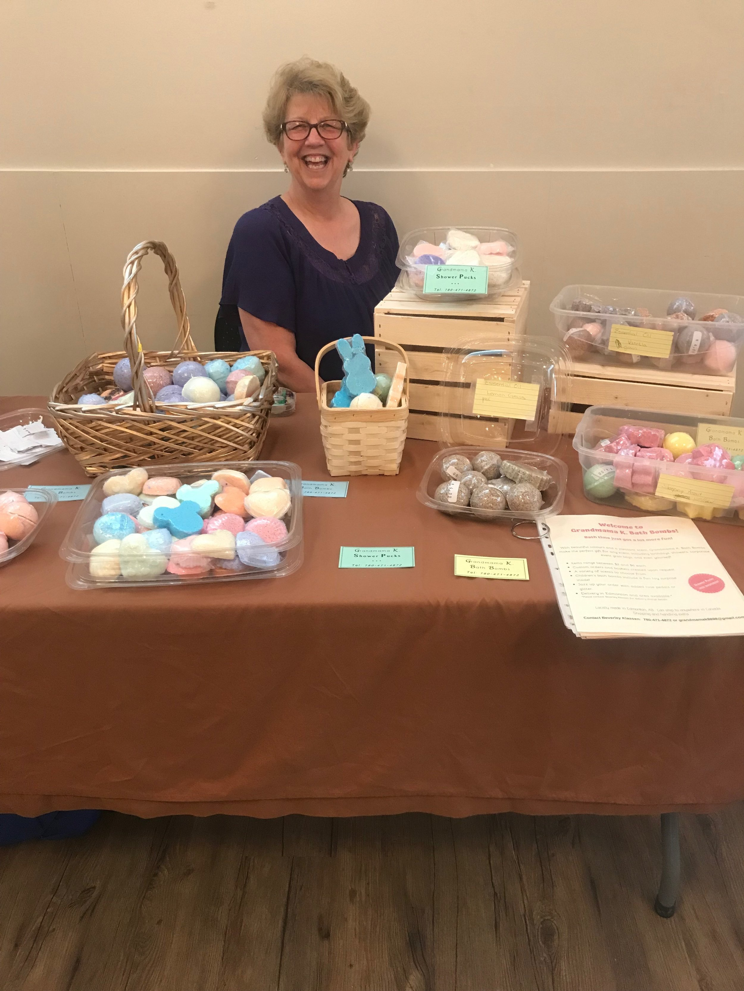 Beverley makes home-made bath bombs with a surprise inside!