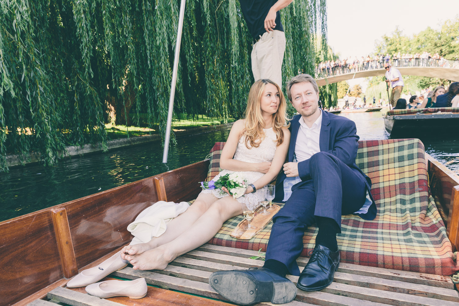 Cambridge wedding punting photography