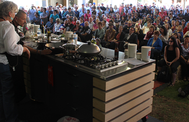 simon-bryant-maggie-beer-cook-and-chef-unplugged-crowd.jpg