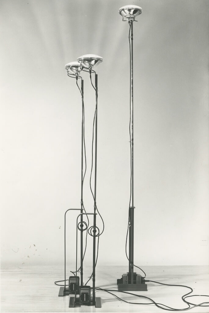 Achille-Castiglioni-Lampada-Toio-1962.jpg