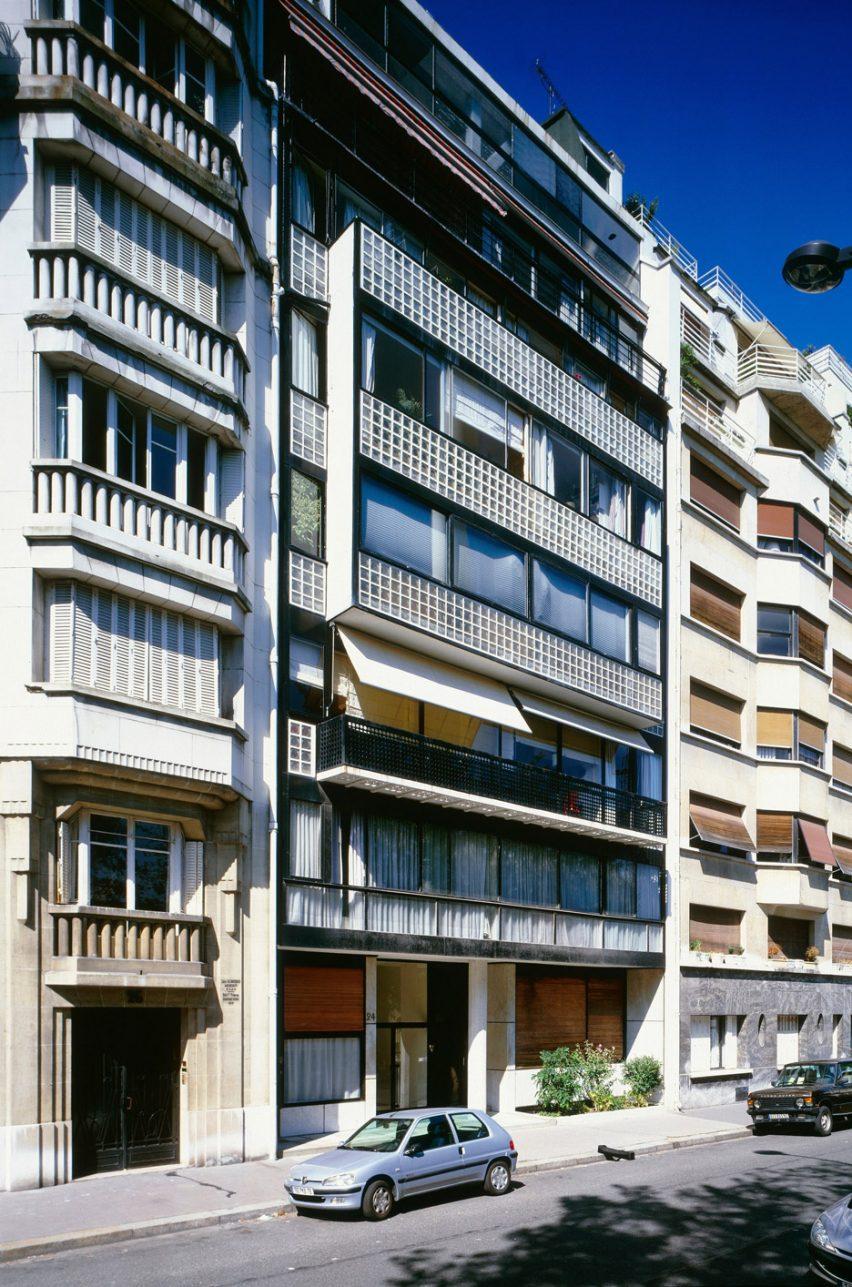 immeuble-molitor-le-corbusier_dezeen_936_4-852x1287.jpg