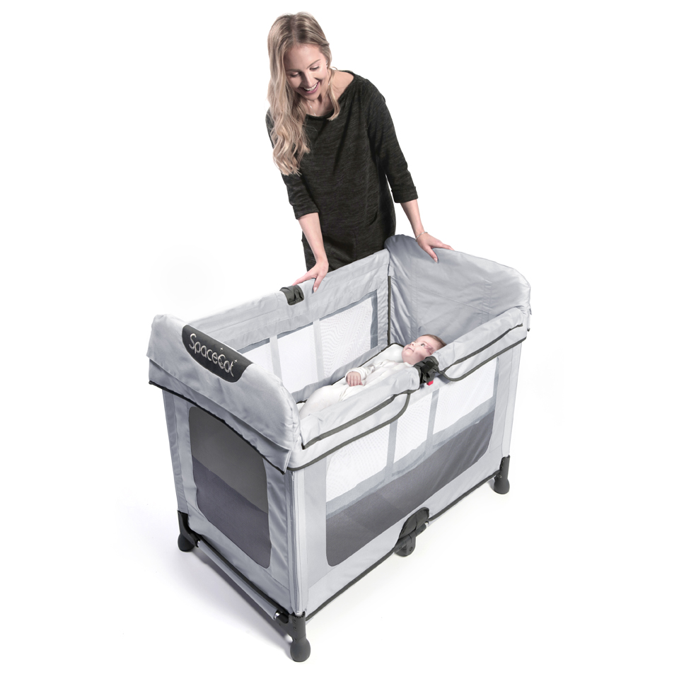 SpaceCot Alfa 3quarter view (With models) Silver.jpg