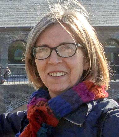 Fiona Brown headshot2.jpg