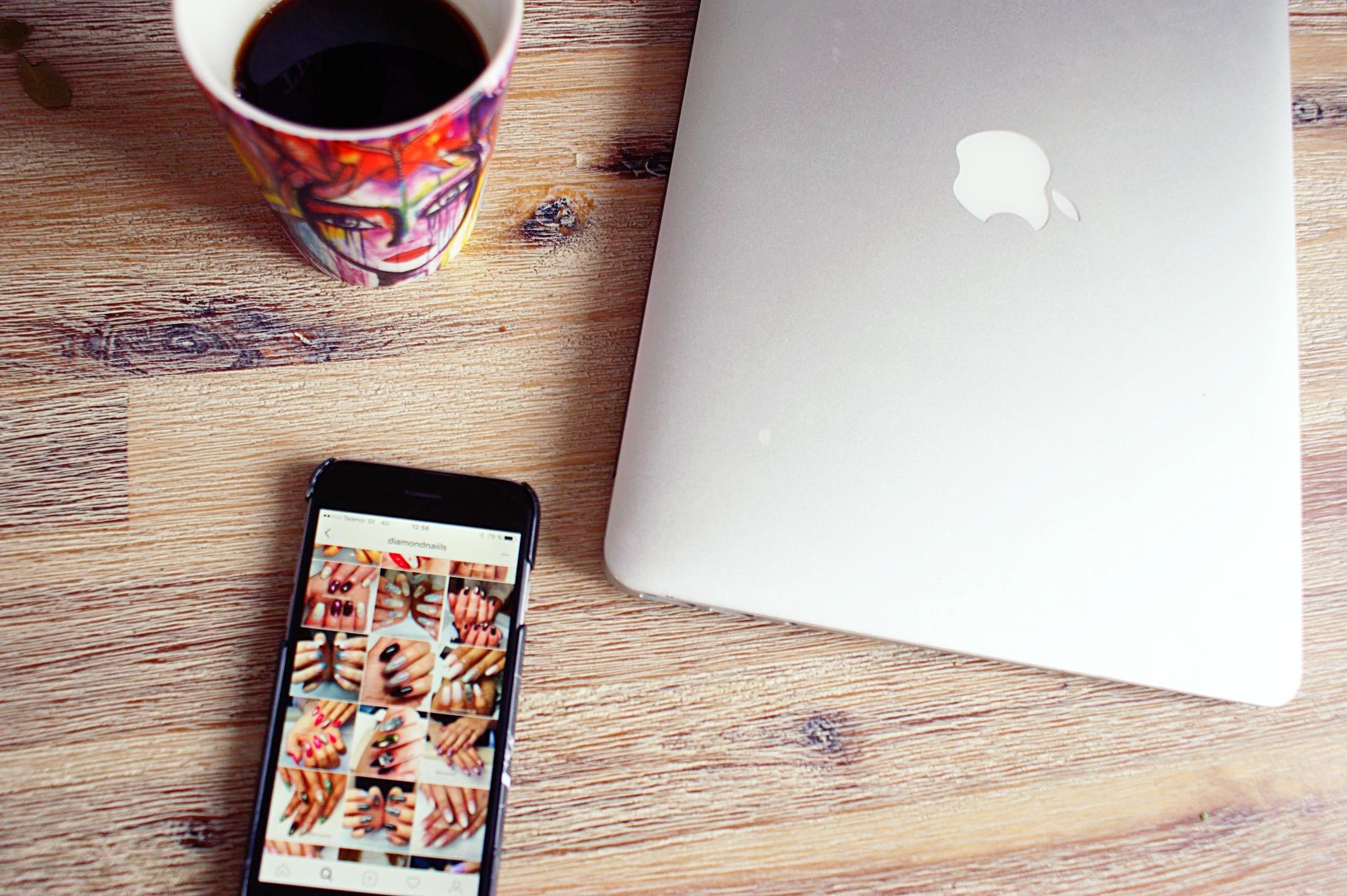Sociala medier - ett jobb eller underhållning?