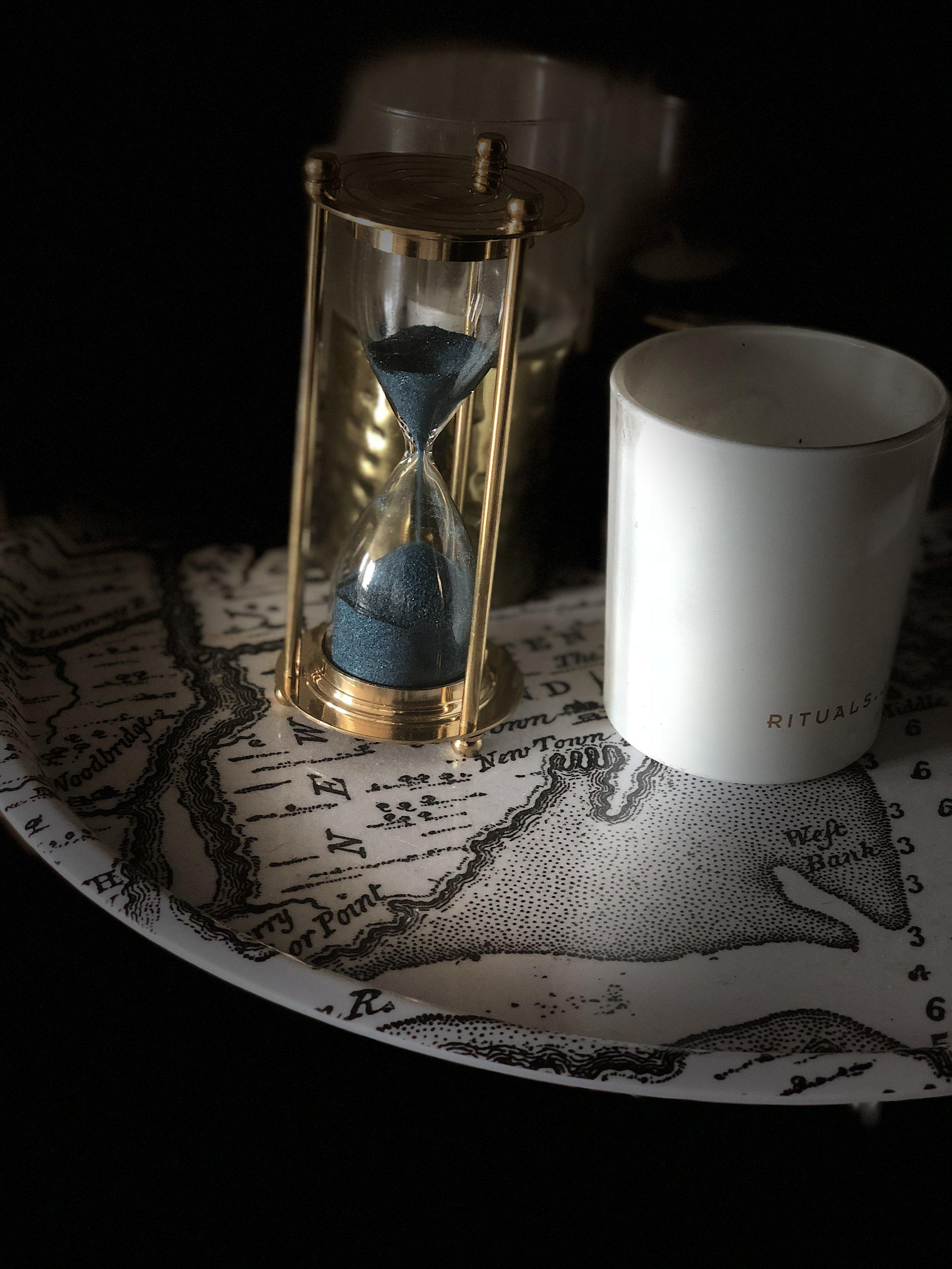 • Timglas med blå sand  - från  Indiska  •