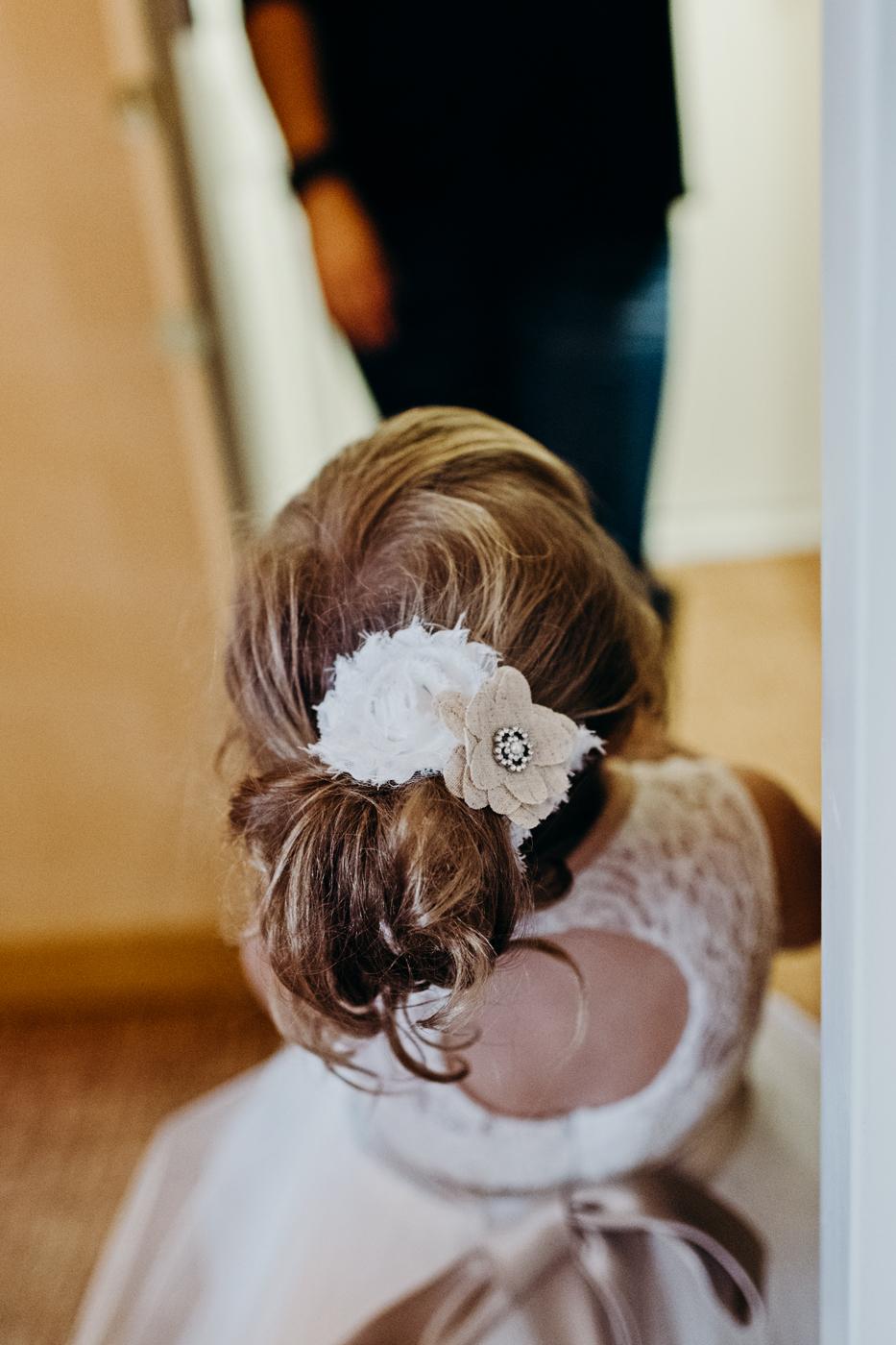 Flower girl's burlap flower hair tie