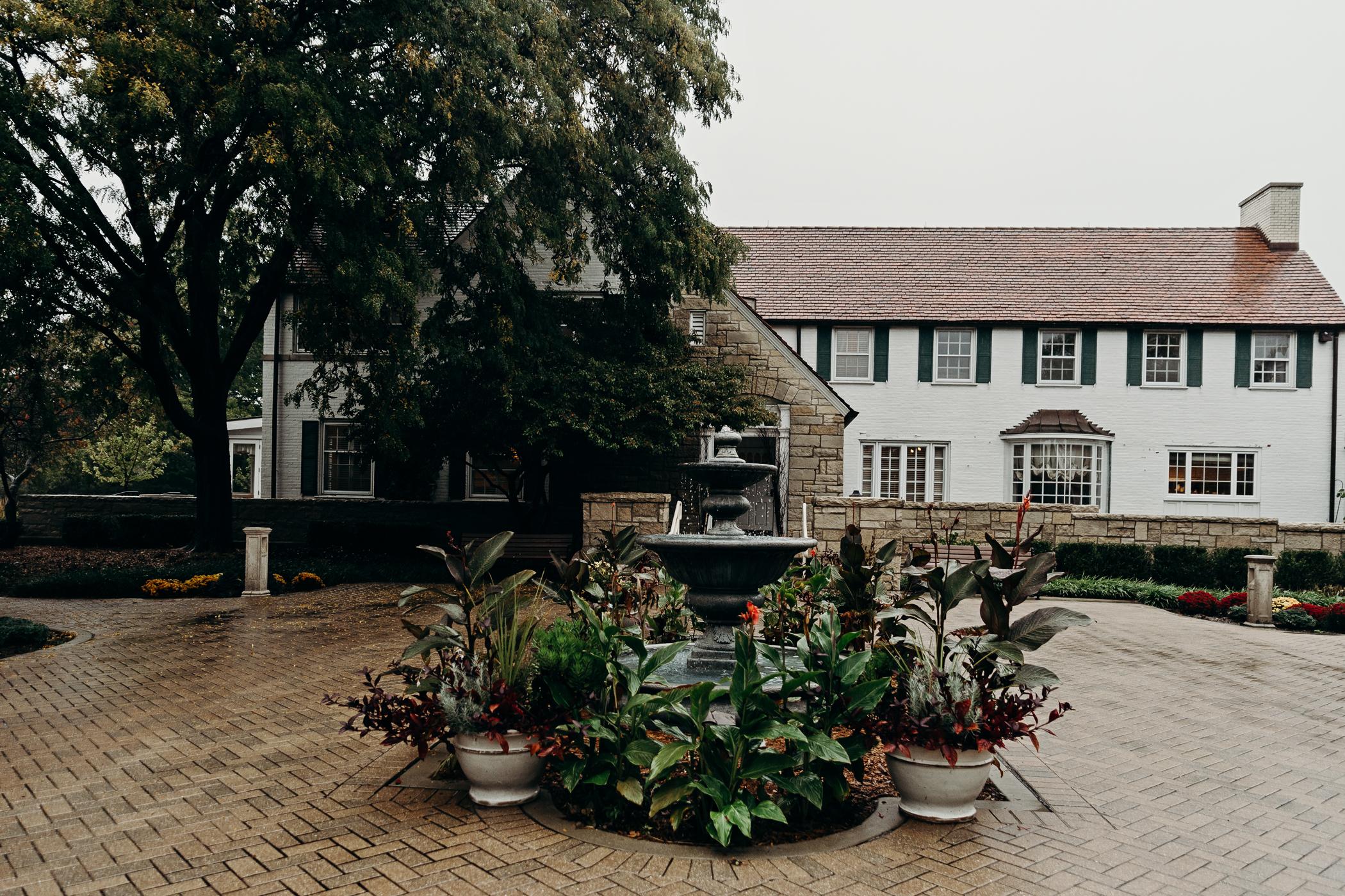 Front view of Danada House in Wheaton, IL