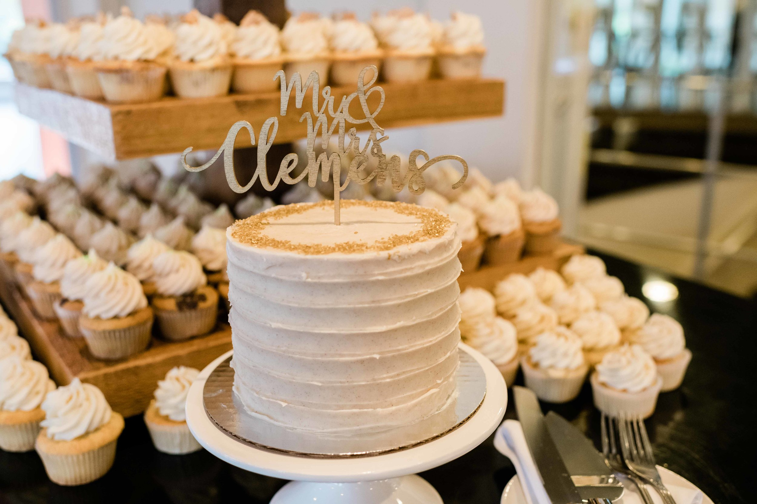 Wedding cake and cupcakes from To Di For Baking in Stoughton, Wisconsin