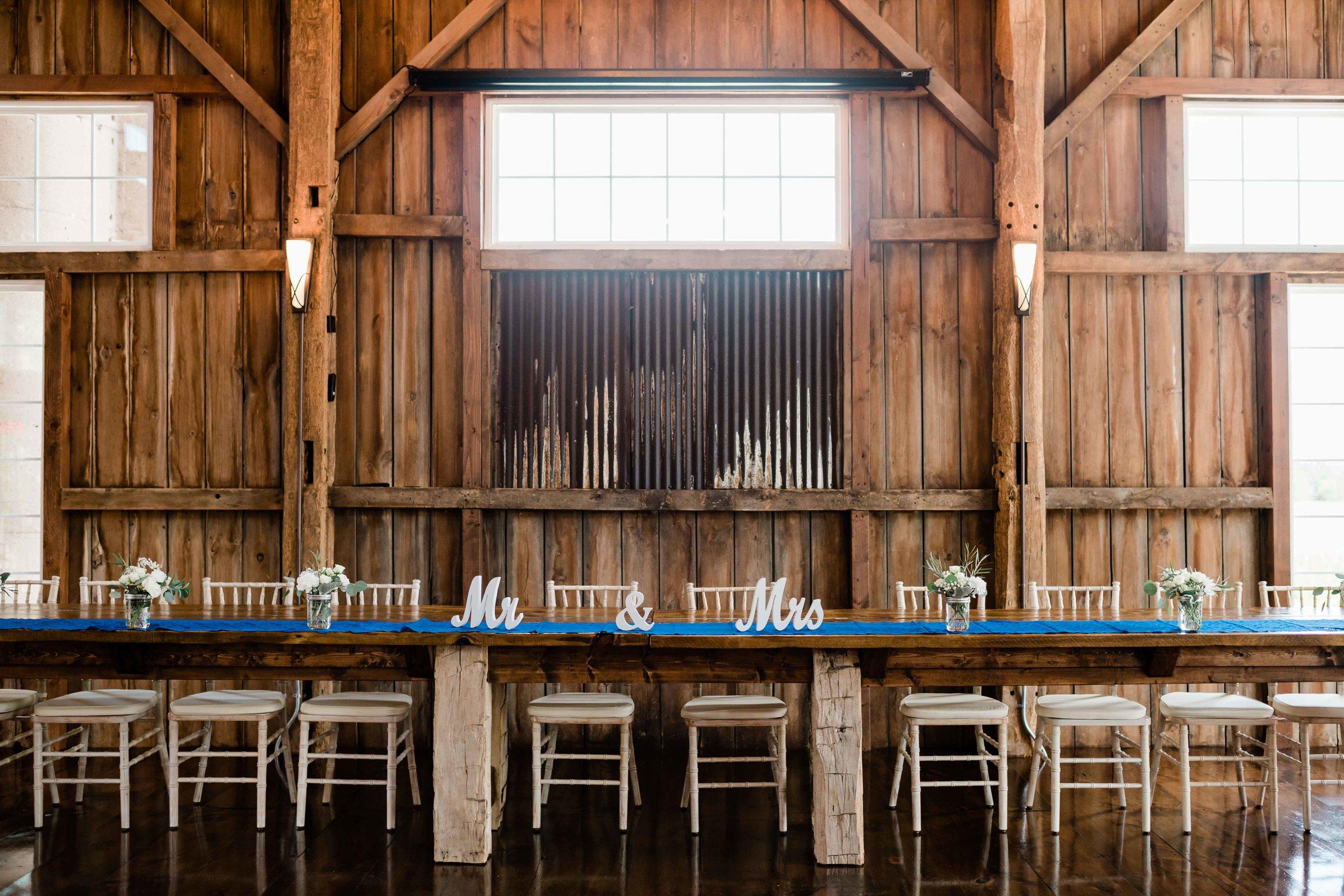 Head table at Cupola Barn in Oconomowoc, Wisconsin