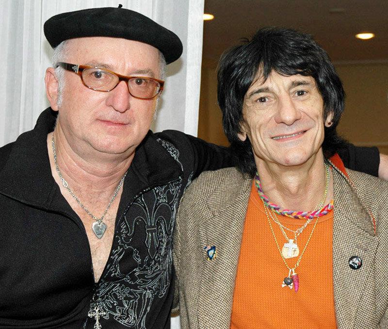 Robert & Ronnie Wood.jpg