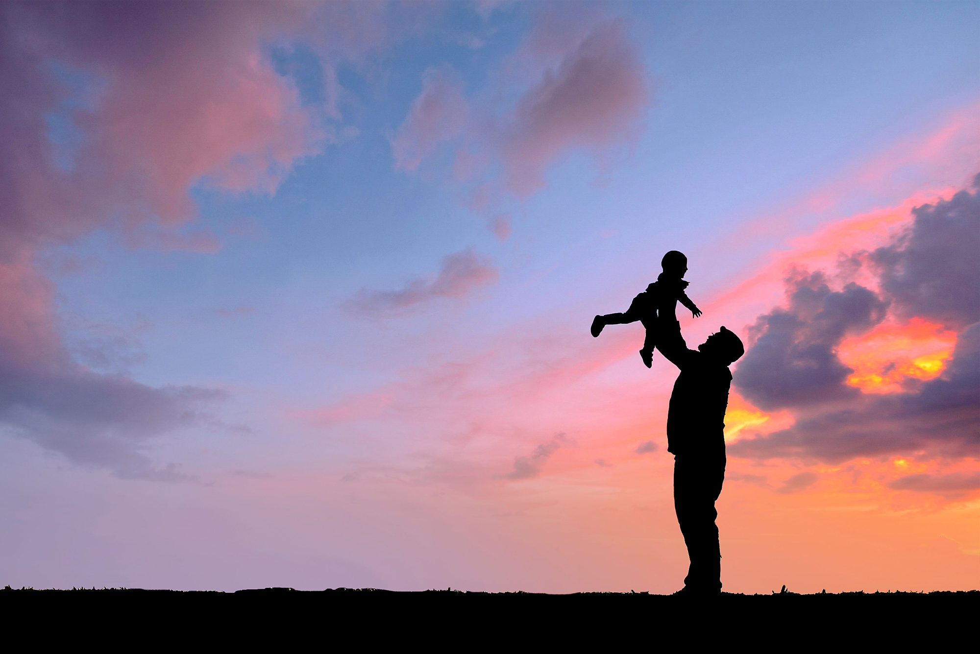 st-louis-family-photographer-mini-session-sunset-silhouette-with-dad-and-baby.jpg