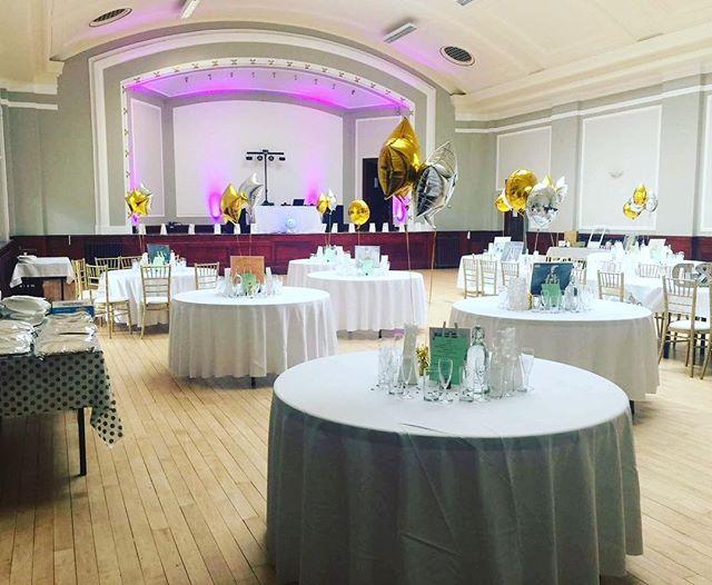 Ready and waiting😍🍾🥂#weddingday #leithwedding #lightingmatters #herecomesthebride