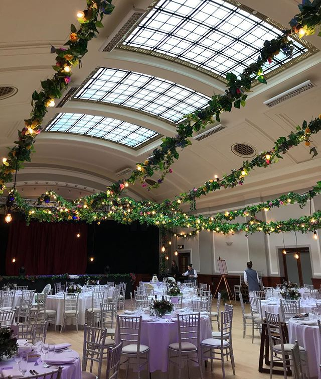 How well does our Thomas Morton Hall scrub up?! It's beautiful as it is but when it gets all dressed up... 😍 . . #weddingvenues #leithwedding #leiththeatre #edinburghwedding