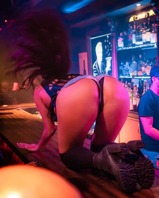 Back back back in Long Beach Saturday! Get your tickets!!!!!!!!! 10/13 at @harvelleslb ✖️✖️ Link in bio! Only a few VIP seats are left. Littlemissnastyofficial.com #littlemissnasty  #rocknrollburlesque  #harvelles #downtownlongbeach #booty #kittycrawl #headbang #beautiful #bodypositive  #bodygoals #harvelles #littlemissnastytakesoverlongbeach  Photo by @whiskey_shotz