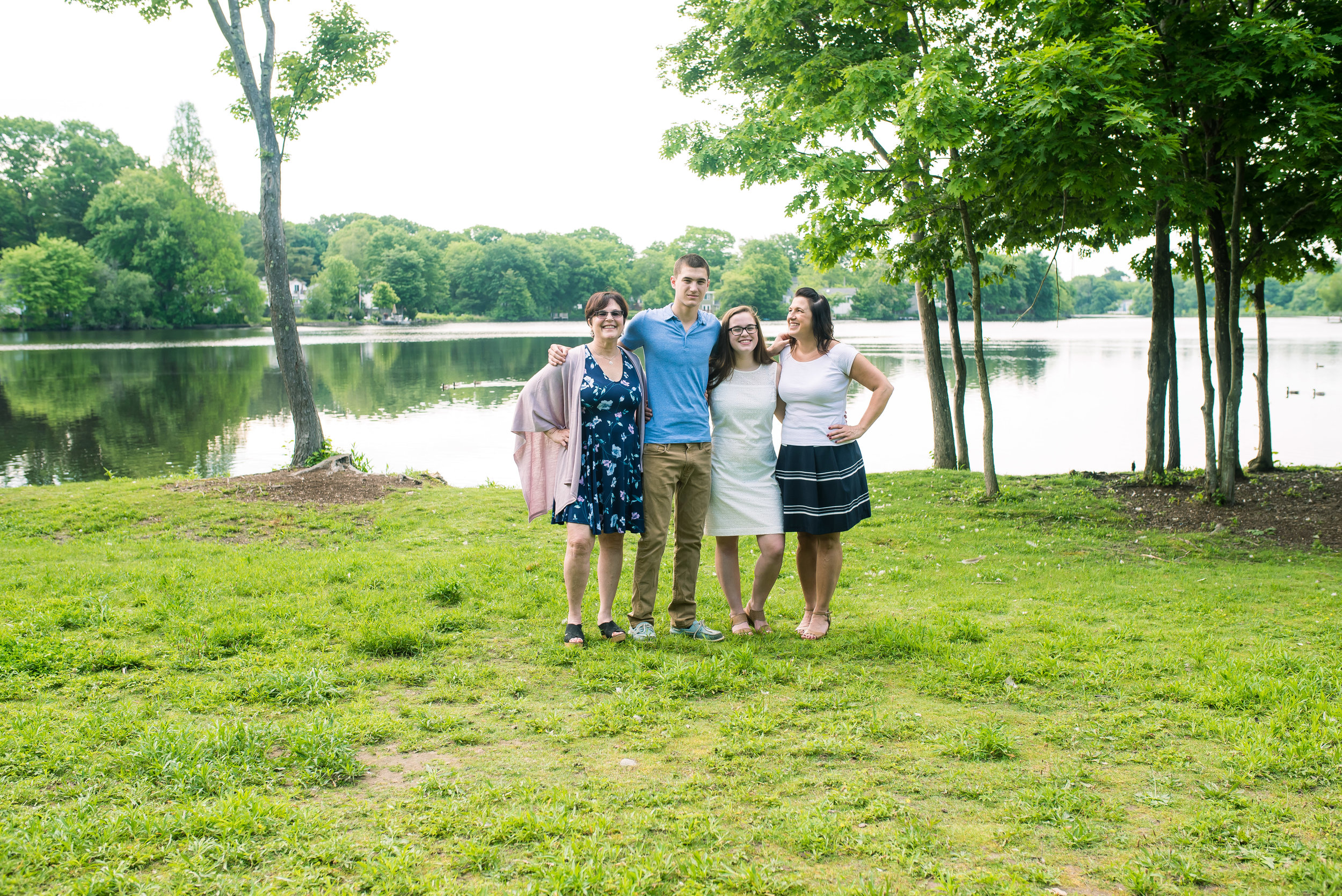 Family Portraits at Lake Holbrook MA (12 of 1).jpg