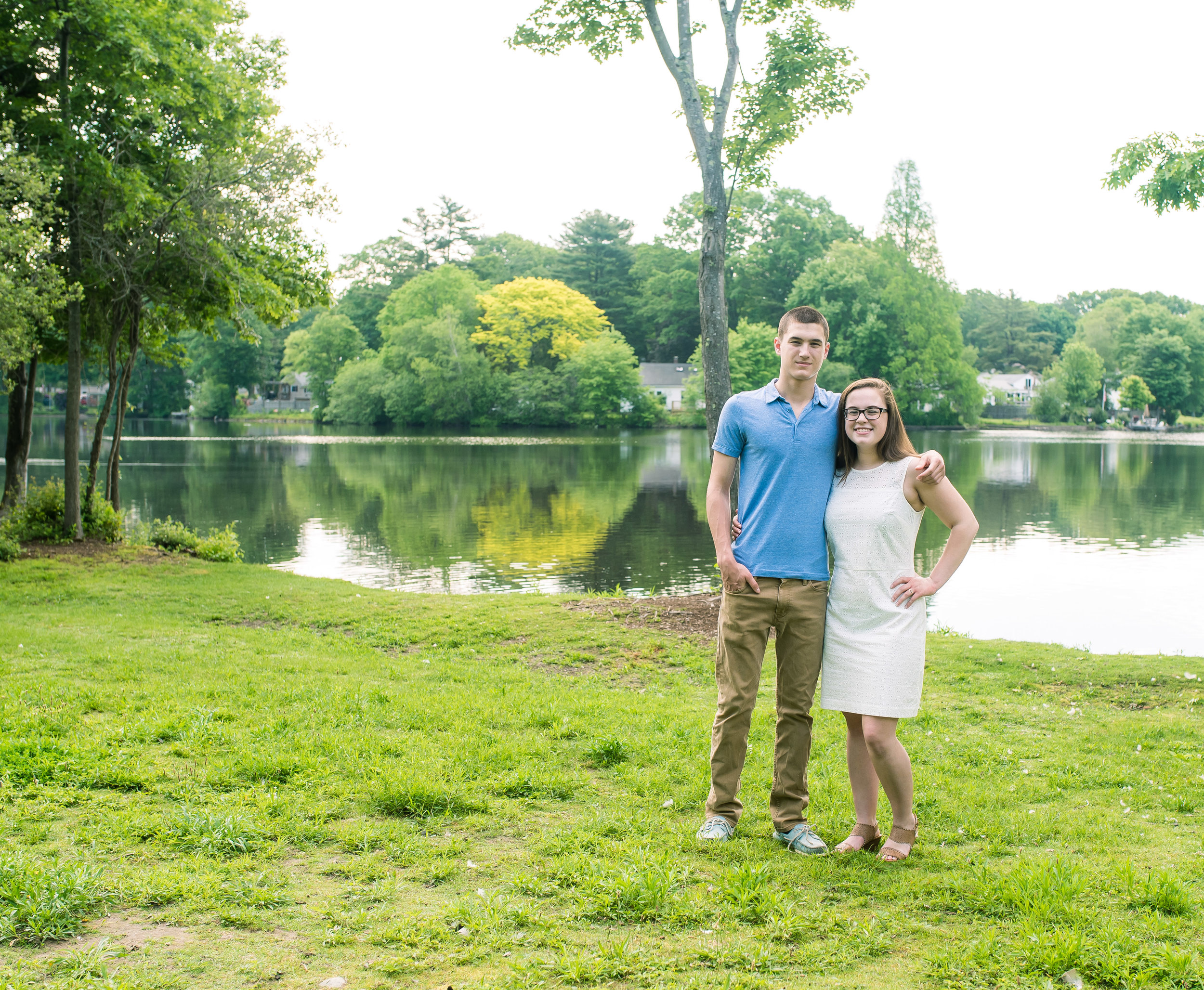 Siblings Family Portraits at Lake Holbrook MA (8 of 1).jpg