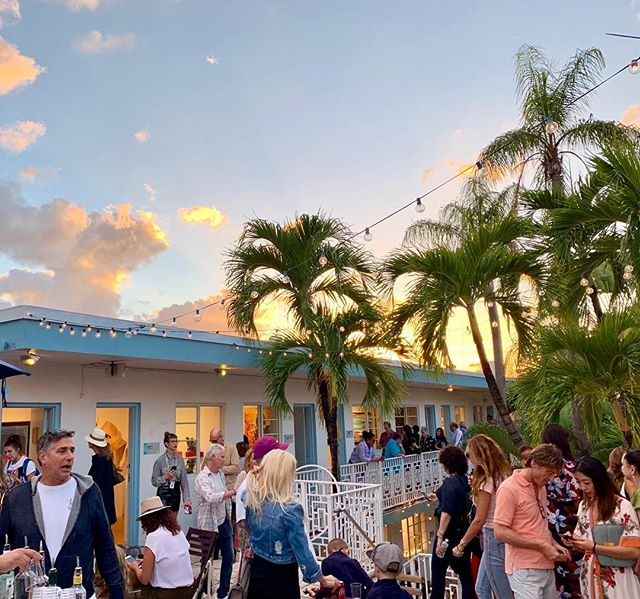 Down in Miami at #aquaartmiami  One of the responsibilities of being the newest board member of #asmp  Not complaining at all 😁