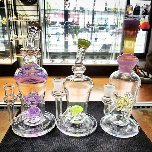 @chaddy317 stopped by and dropped off some heat. New colors and amazing prices. Come check out one of our favorite locale amazing art! 🔥 #localatx #fuego #swagga #smokeloud #atx #austintx #cardib #texasart #atxart #bartonsprings #zilkerpark #heater #bestimtexas #glassart #glasspipes #higherstandards #smokingdepot #710 #errl #420 #highlife #stickyicky #datfire #78704 #terps #thuglife #smokingdepot