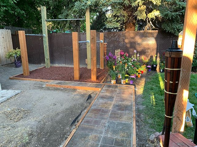 It has been a really good and productive weekend. We are getting closer to completion. I have a few more ideas, just weighing options. @dancingofdoom #backyardgym #playground #homeimprovement #notyouraveragedetailer #motivation #gains #fatherson #beautyallaround