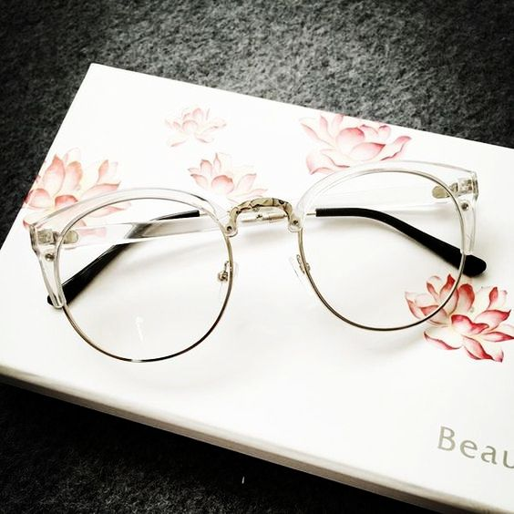 The Elegance of clear frames