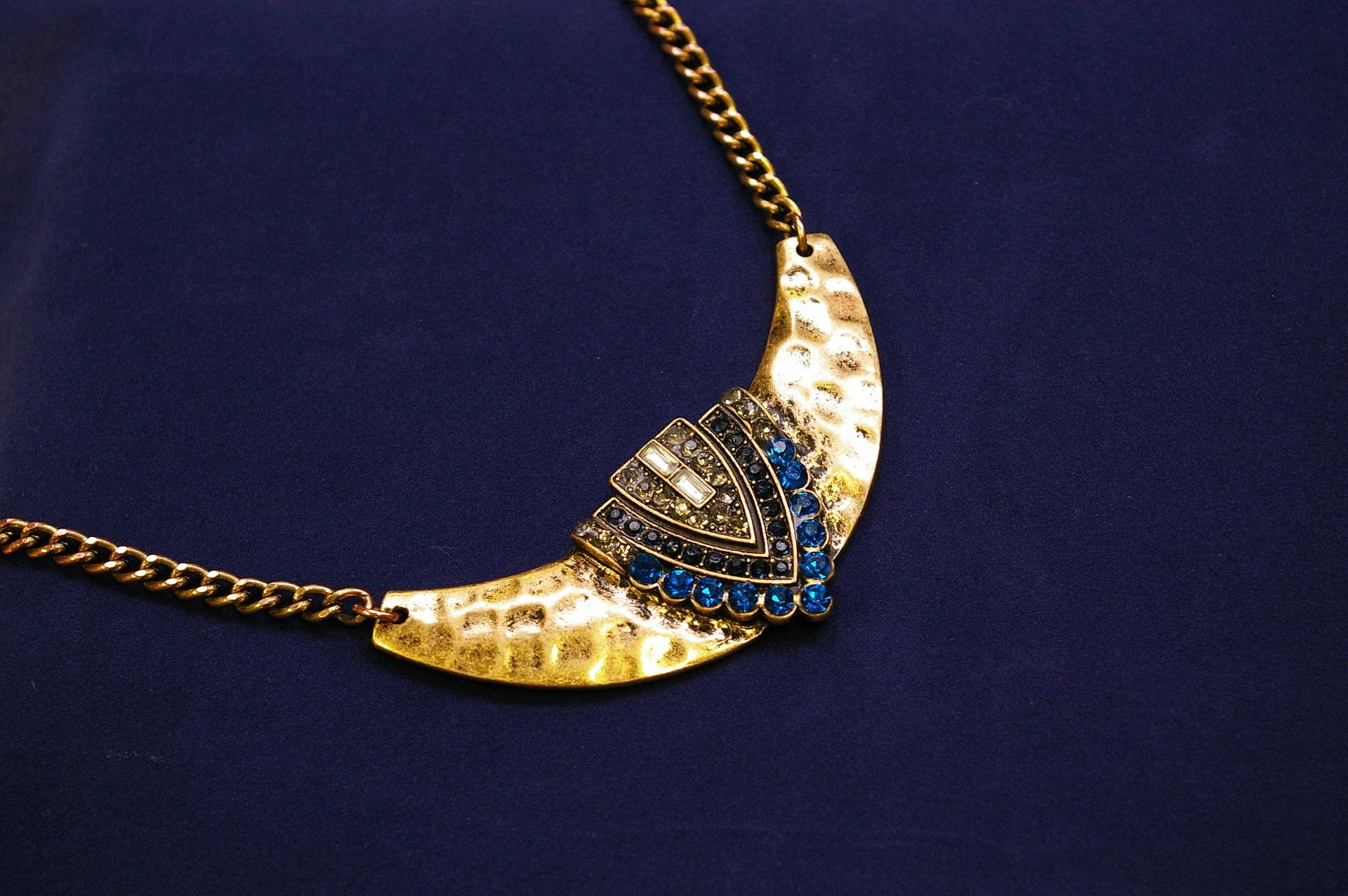 jewellery-810162_1920.jpg