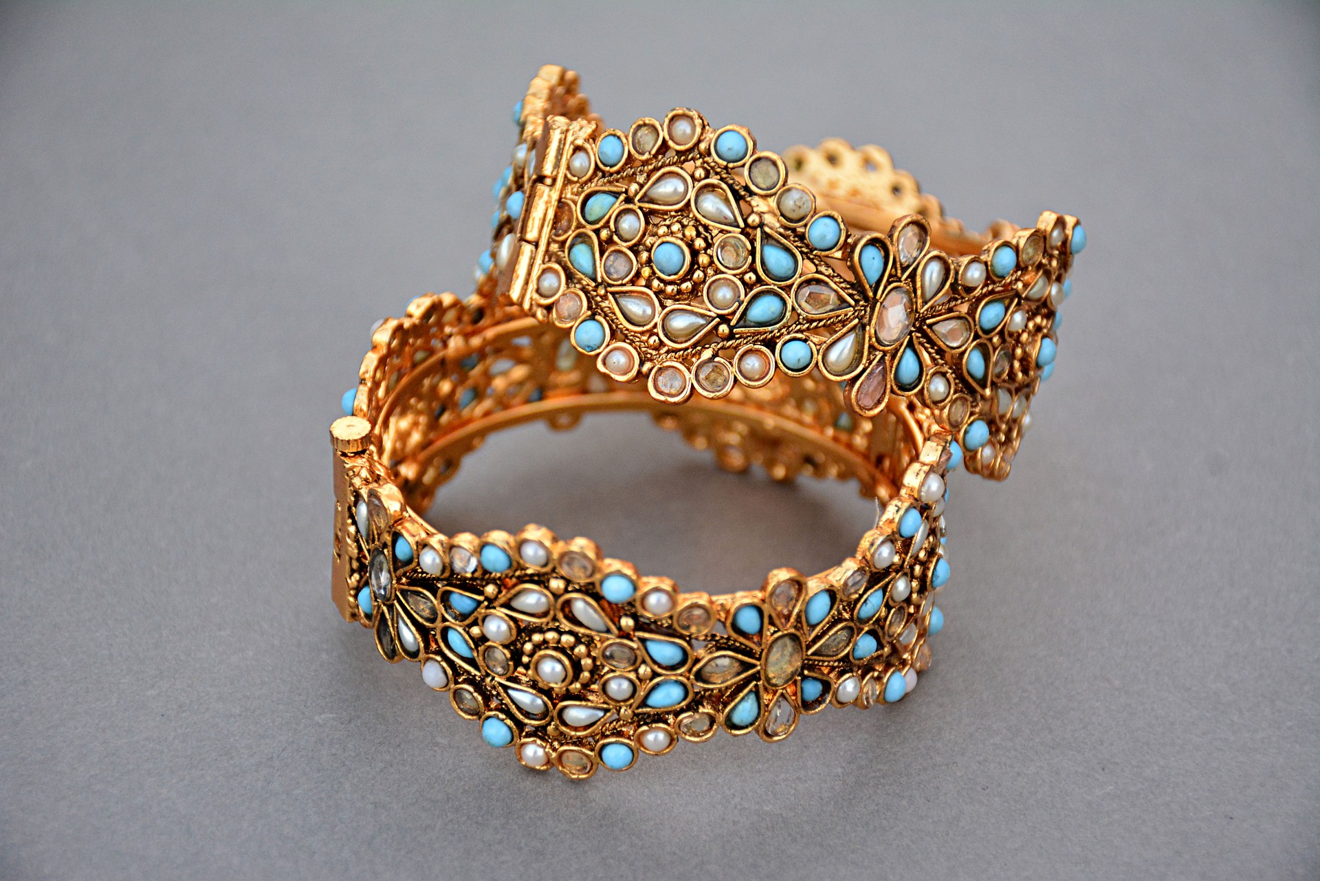 jewellery-1175533_1920.jpg
